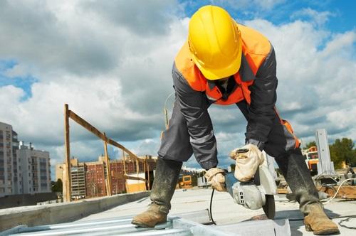 אתר בנייה - לדירה מקבלן יש יתרונות רבים לצד מספר חסרונות